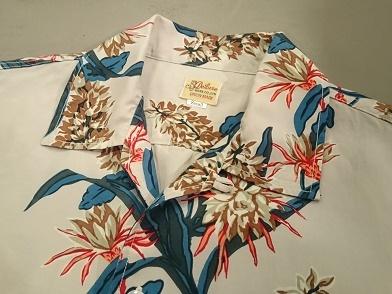 デラックスウエアのハワイアンシャツ