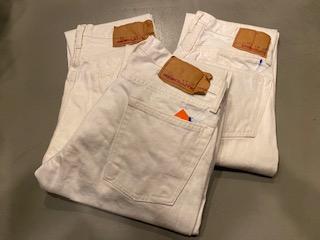 冬にホワイトジーンズ!